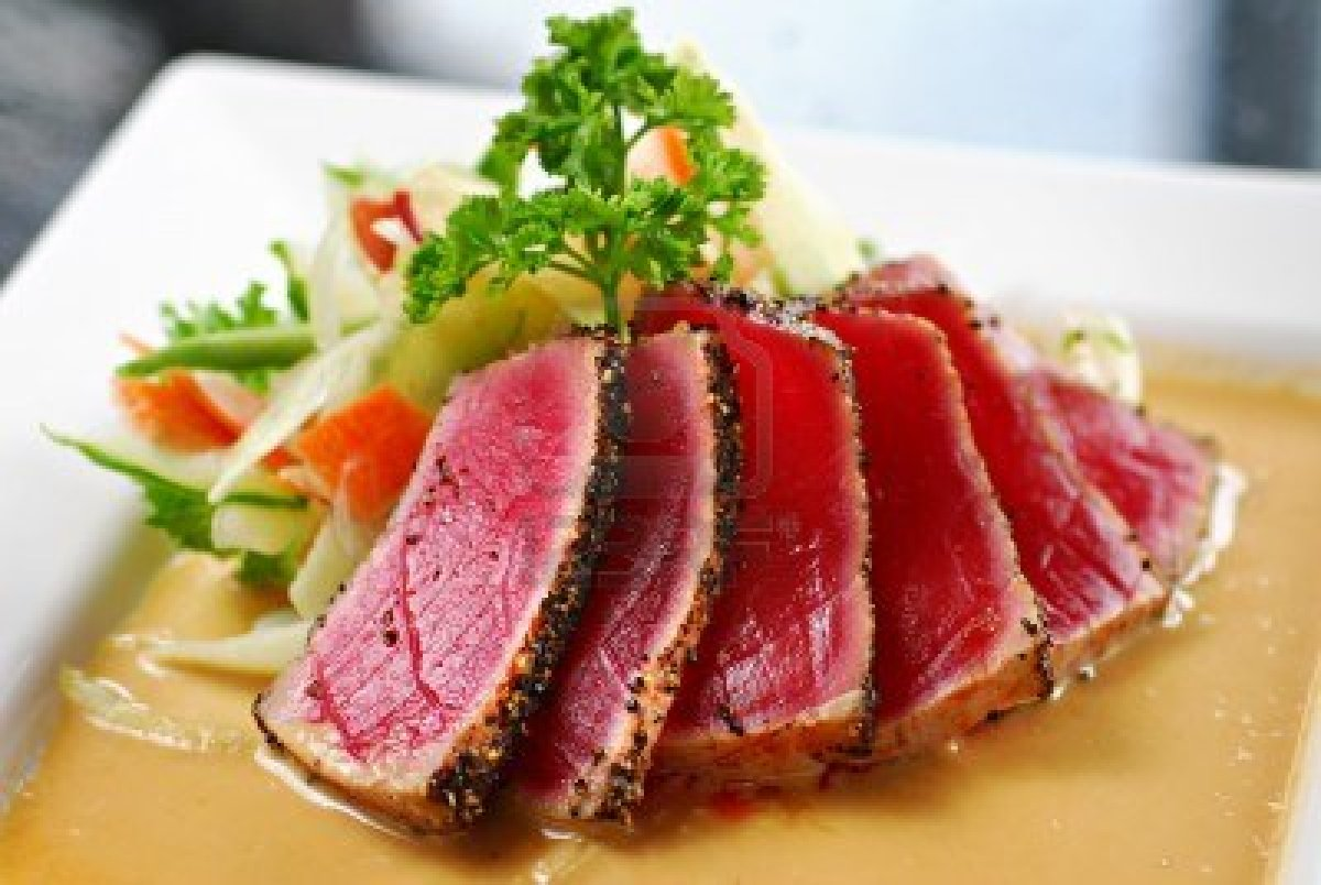 Seared Ahi Tuna with Sesame Seeds and Ginger Sauce
